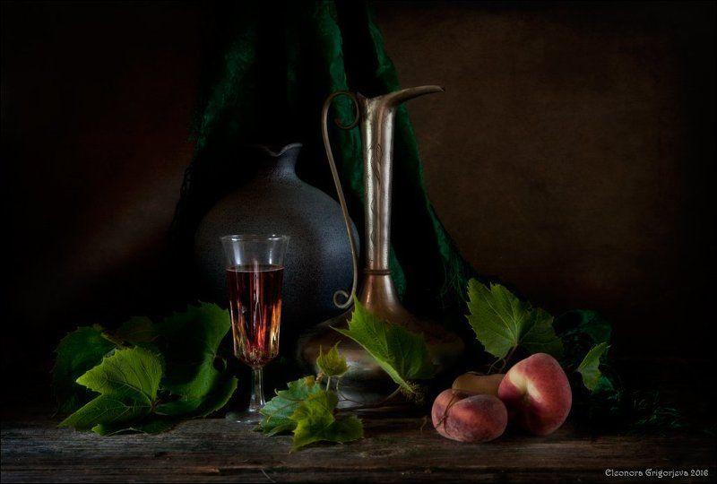 натюрморт, вино, кувшин, персики Летнее виноphoto preview