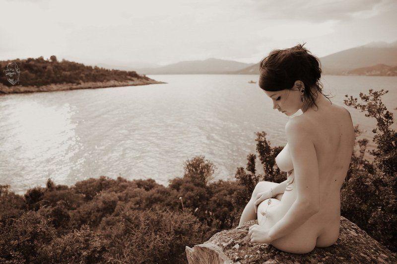 girl, geece, nude, sea warten (waiting)photo preview