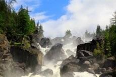 Сквозь завесу водяной пыли