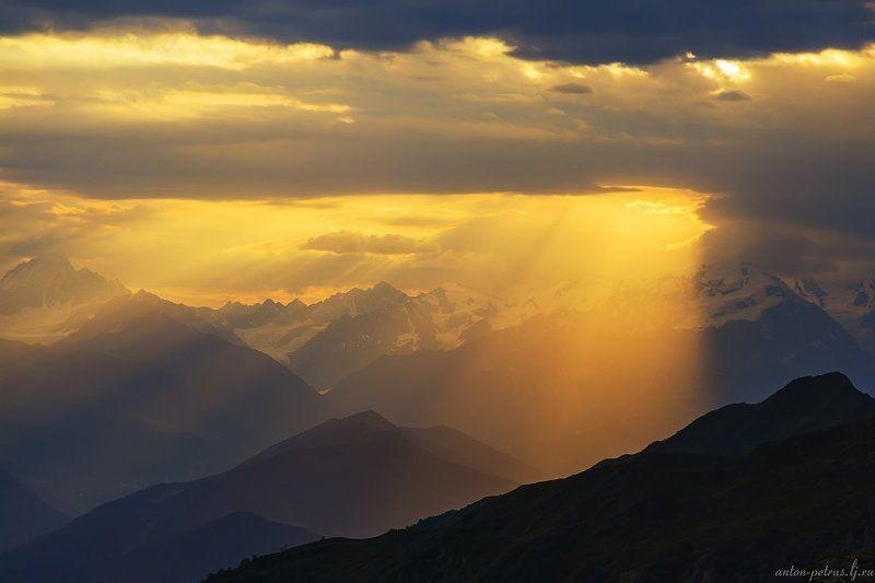 кавказ, закат, горы Свет с небесphoto preview