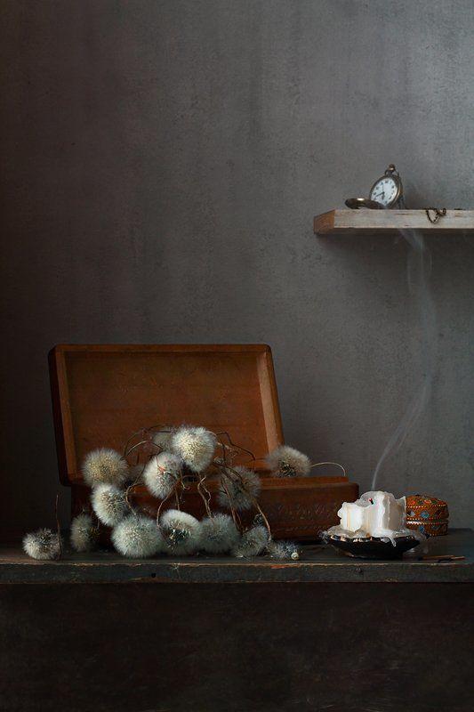 натюрморт, былое, шкатулка, одуванчики, свеча, часы Былое..photo preview