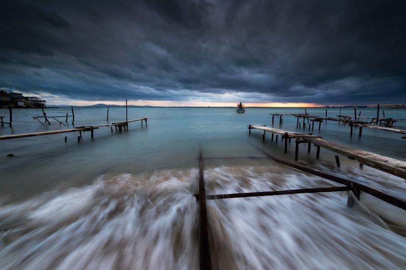 Полный вперед к штормуphoto preview