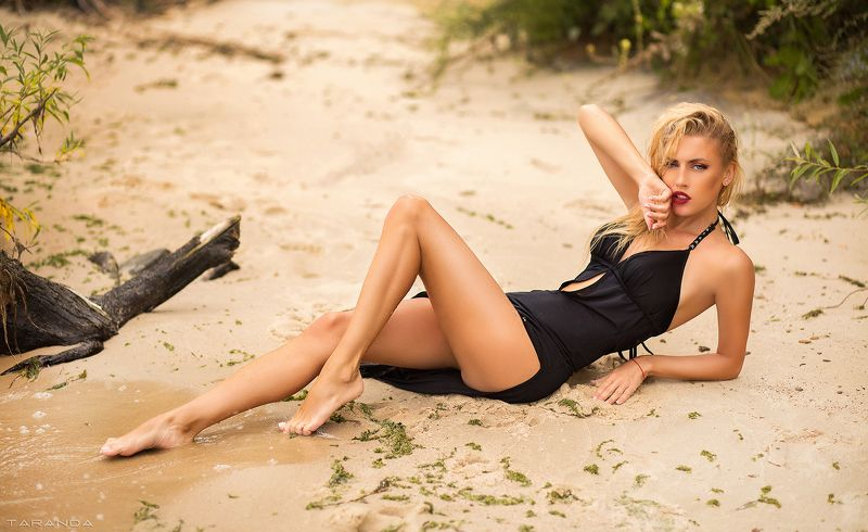 girl, kiev, ukraine, beach, summer, warm, cloudy, portrait Red Blooded Womanphoto preview