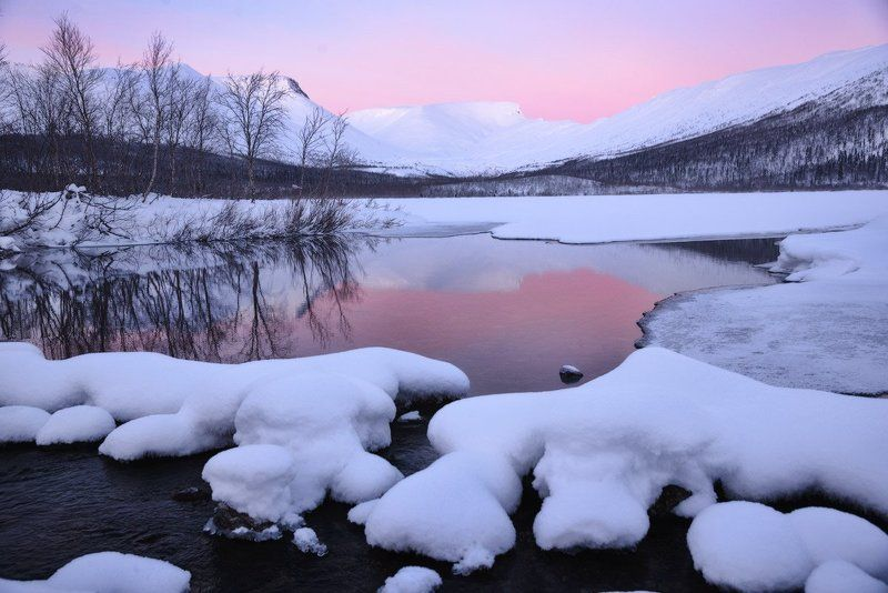 Тихий, морозный вечер в зимних Хибинахphoto preview