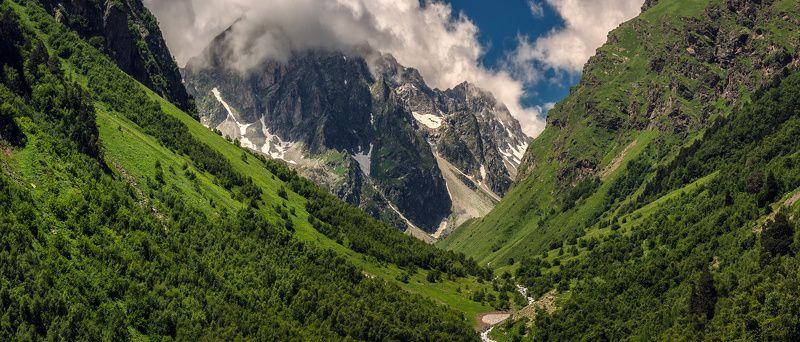В ущельях Кавказаphoto preview