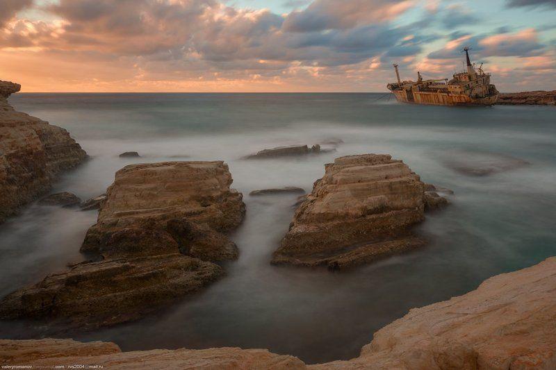 корабль, кораблекрушение, закат, кипр, пейя, море, скалы, облака, закат, рассвет, синий, розовый, песок Кораблекрушение Едро IIIphoto preview