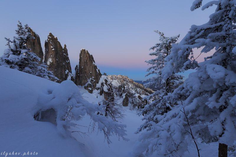 таганай, закат, сумерки, пейзаж, природа, зима, горы, урал, россия Перья Таганаяphoto preview