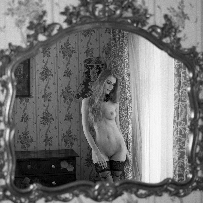 akt, nude, analog, hasselblad, ninoveron, women, bw, 6x6 Majaphoto preview