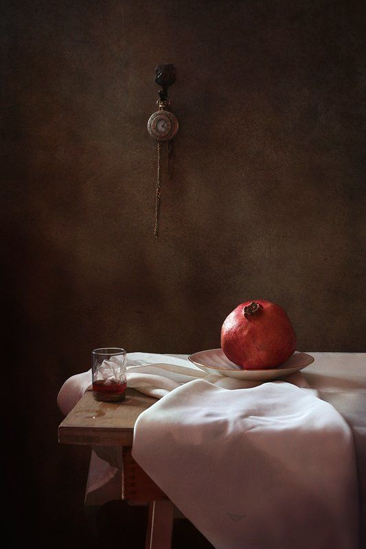 натюрморт, гранат, часы, рюмка * * *photo preview
