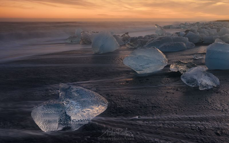 winter, ice, breidamerkursandur, iceland, jokulsarlon glacial lagoon, chunks of ice, glacier, jokulsarlon lagoon, ocean, black volcanic-sand beach, ice-chunks, polished, stranded, shore, diamonds, black velvet Песнь Льда и Огняphoto preview