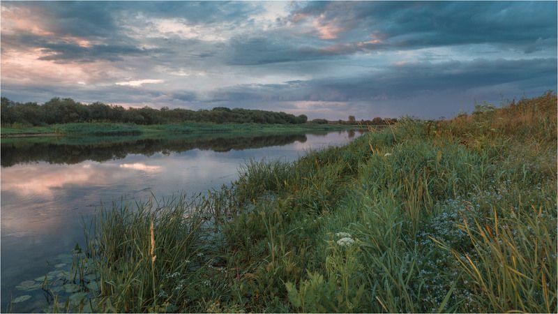 Июль. На берегу реки после дождяphoto preview