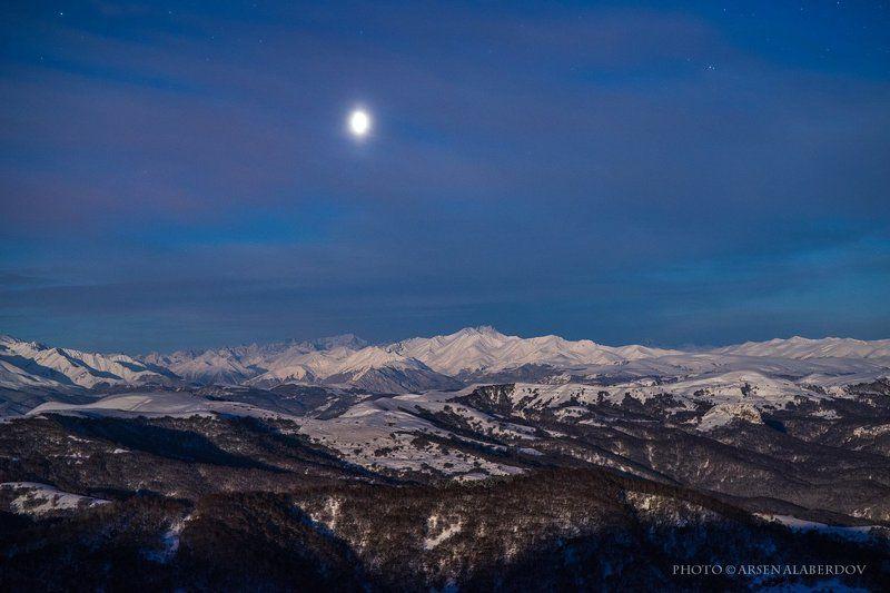 горы, предгорья, хребет, вершины, пики, снег, ночь,длинная выдержка, зима, скалы, холмы, долина, облака, путешествия, туризм, карачаево-черкесия, кабардино-балкария, северный кавказ ВЕНЕРАphoto preview