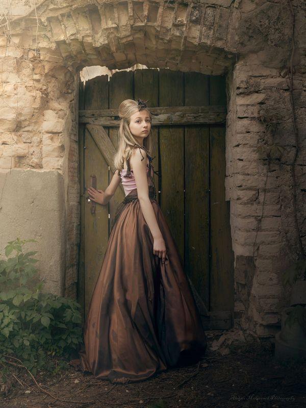 created by photographer : alekse, fashion designer: aleksei makare, next door fantasy .............., photographer : aleksei makarenok Next Door Fantasy ......................Xphoto preview