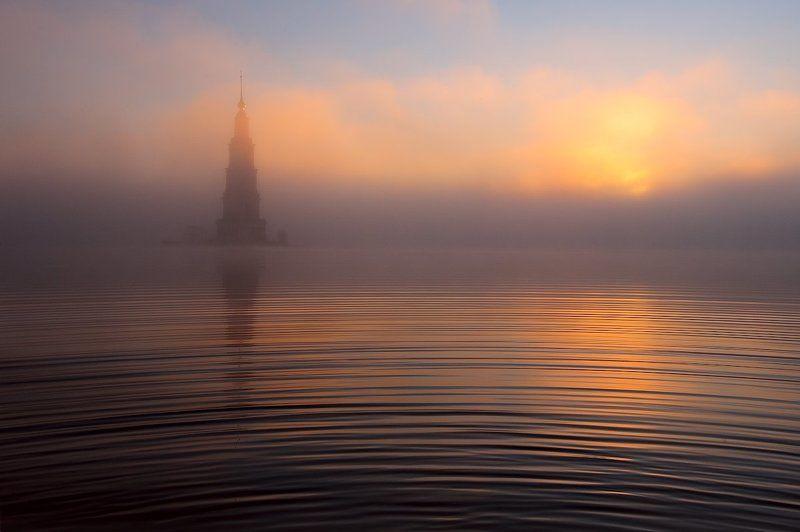 В туман потоками лучей.photo preview