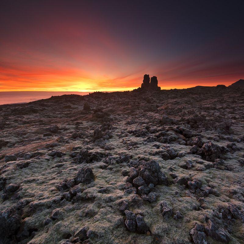 Iceland Snæfellsnes Londrangar Sunrise on Londrangar planetphoto preview