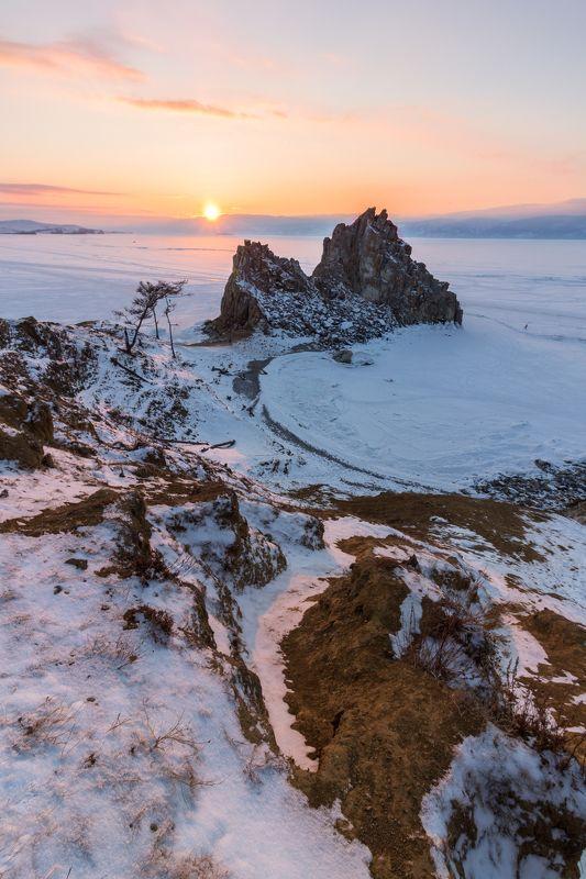 шаманка, байкал, снег, скала, сибирь Закатная шаманкаphoto preview