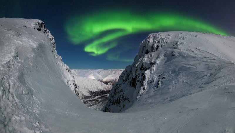 пейзаж,горы,панорама,россия,звезды,сияние,аврора, Ночное сияниеphoto preview