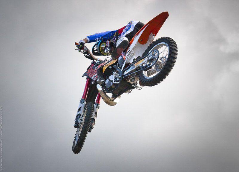 мото, мотоцикл, мотофристайл, мотоциклист, спорт, репортаж, спортивный, полет, полёт, sport, report, auto, moto, autosport, motorsport  Эй там, внизу! / Hey you down there!photo preview