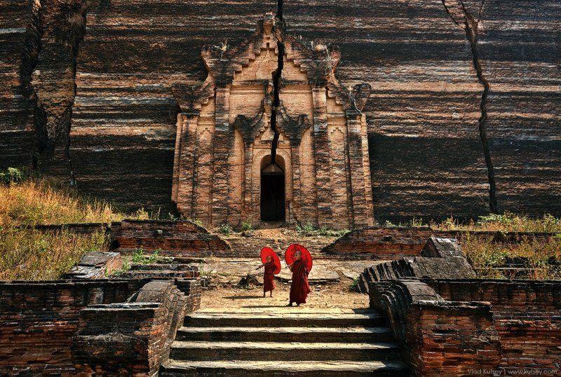 mingun, pagoda, temple, myanmar, burma, monks, cracks, old_temple, mingun_pagoda, stupa, buddism, buddha, kids Mingun Pagodaphoto preview