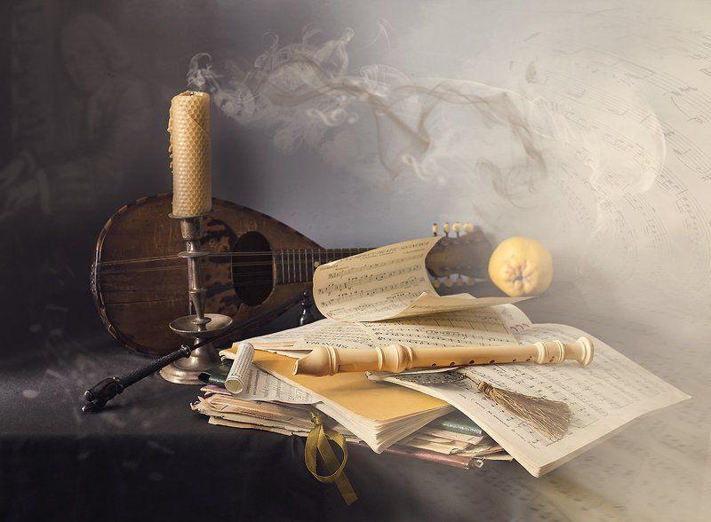 натюрморт, мандолина, флейта, ноты, свеча, Призрак музыкиphoto preview