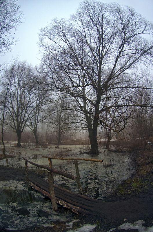 март, весна, мост, река Мосточек в марточек ...photo preview