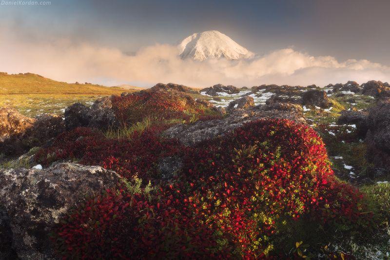 Камчатка Где вулканы спят на облаках...photo preview