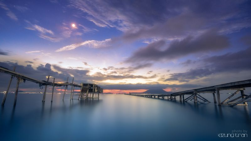 #seascape #smooth #longexposure #pearl #bridge Dreamy nightphoto preview