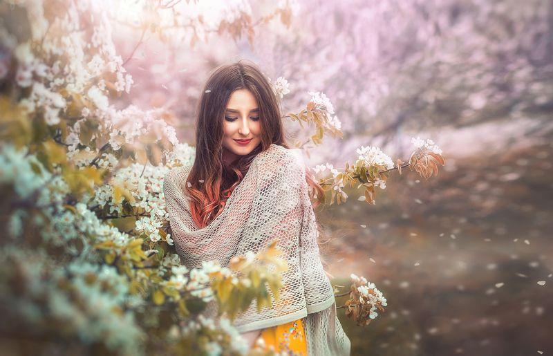 девушка  - весна.photo preview