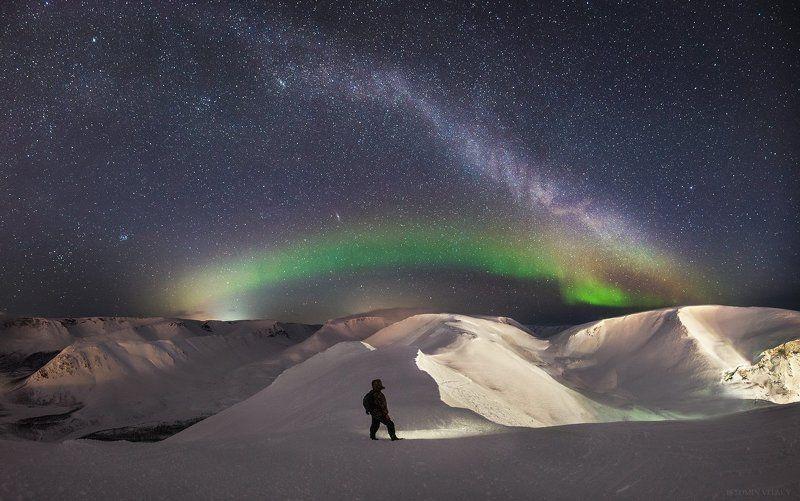 пейзаж,звезды,человек,россия,свет,хибины,кировск,млечный,аврора,панорама,свет,цвет,ночь Млечный путь над Хибинамиphoto preview