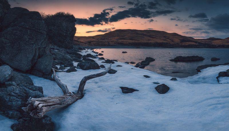 сумерки, весна, море, лёд, скалы ***photo preview