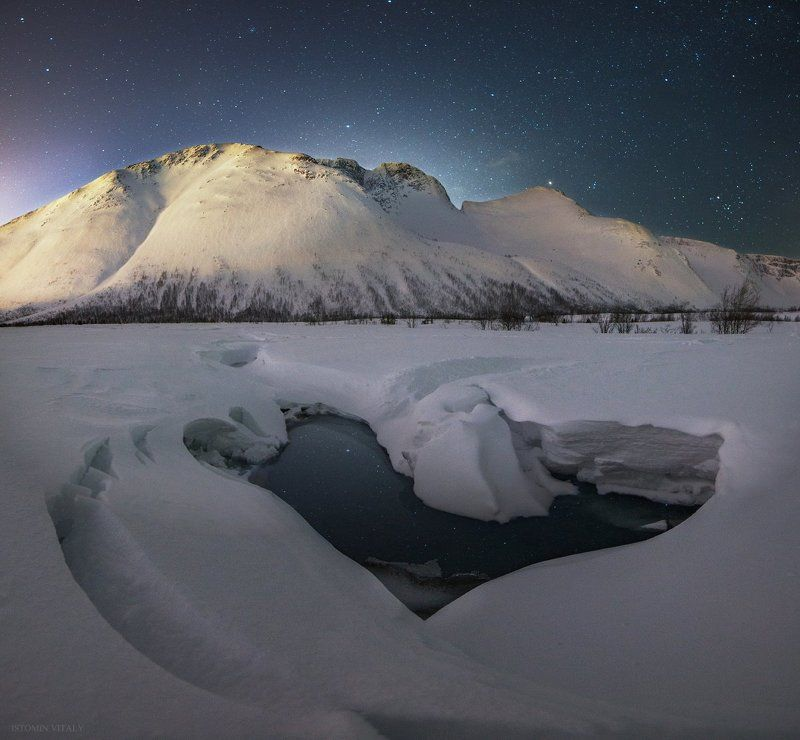 пейзаж,свет,сне,звезды,россия,горы,хибины,река,вода,сердце,панорама,звезды Сердце горphoto preview