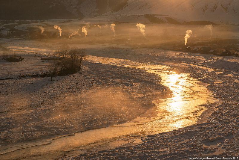 #алтай_чудеса_природы #алтай #сибирь #siberia #павел_филатов #pavel_filatov #filatovpavelaltai #лед #катунь #река #льдины #печки #altai #katun #smokes #малый_яломан Золотая рекаphoto preview