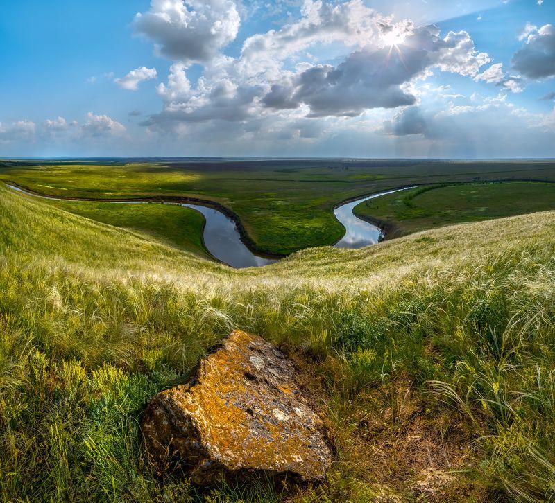 ставропольский край, весна, степь, ковыль, камень, река айгурка, солнце, облака, Время.photo preview