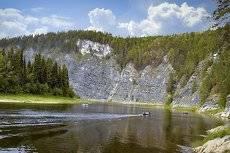 Камень Великан. Река Чусовая.