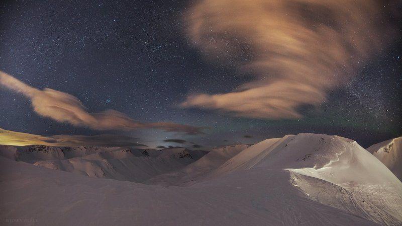 облака,звезды,россия,свет,фонарь,человек,звезды,млечный,горы,хибины,пейзаж,ночь Кукисвумчоррphoto preview