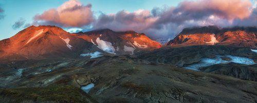 Вулкан Мутновский и окрестности.