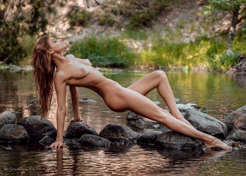 girl, female, pretty, nude, nature, model Alonephoto preview