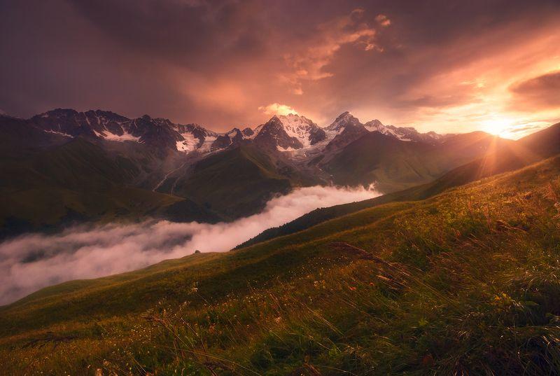 Рассвет в горах Кавказаphoto preview