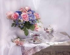 С букетом роз на чашку чая...