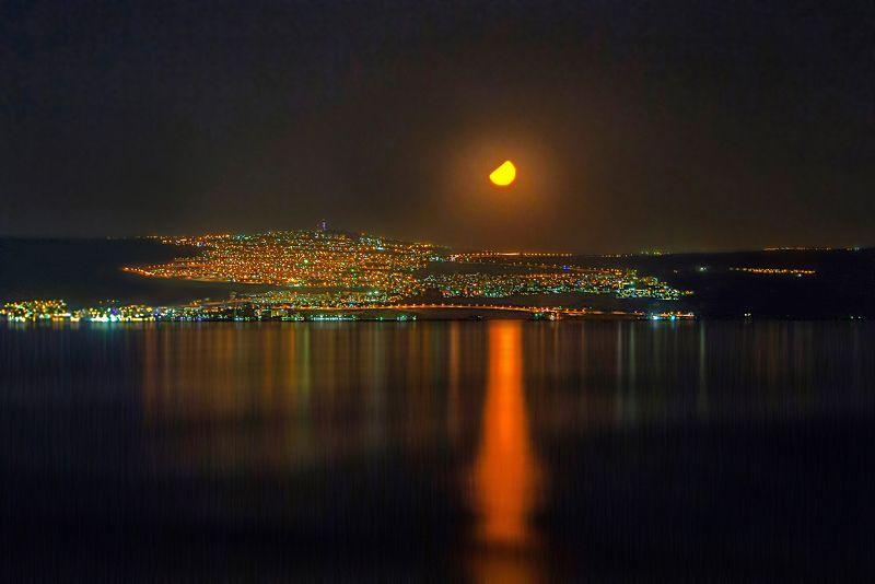 Закат луны над Кинеретомphoto preview