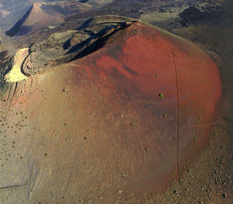 дрон, коптер, аэро, Испания, Канарские острова, Канары, Лансароте,  Красный вулканphoto preview