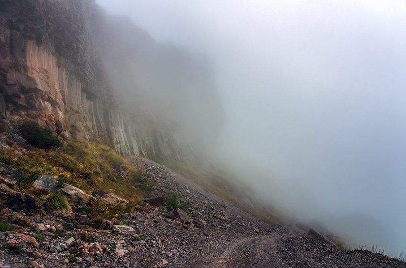 В туманах Приэльбрусья...photo preview