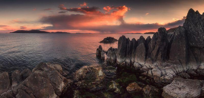 панорама, вечер, весна, море, скалы Годзилла на прогулкеphoto preview