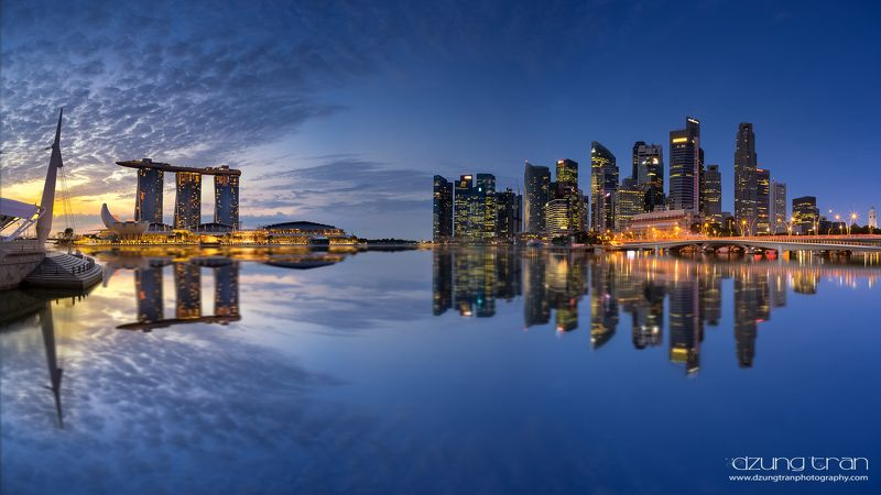 #cityscape #panorama #spaceship #singapore #marinabaysands #reflection Spaceshipphoto preview
