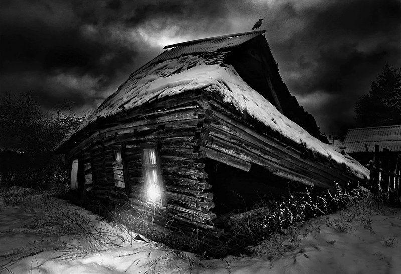 старая изба, ночь, мистика, ворона. Вечера на нашем Хуторе.photo preview