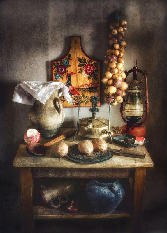 still life, натюрморт, примус, продукты, кувшин, керосиновая лампа, винтаж, ретро, горшочек, деревянная ложка дачно-кухонный натюрмортphoto preview