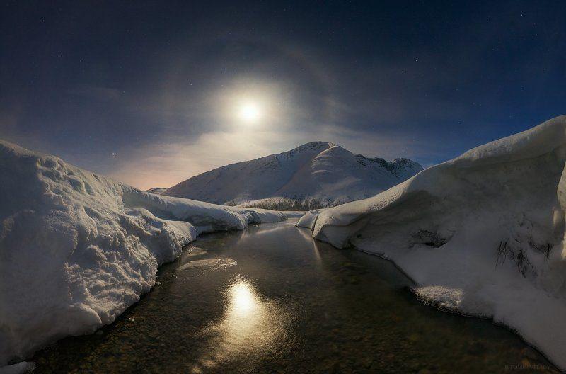 пейзаж,луна,россия,хибины,весна,панорама,гало,луна,звезды,горы,река,тепло Хибинские просторыphoto preview