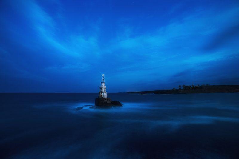 lighthouse, akhtopol, night, clouds, sea Akhtopol Lighthousephoto preview