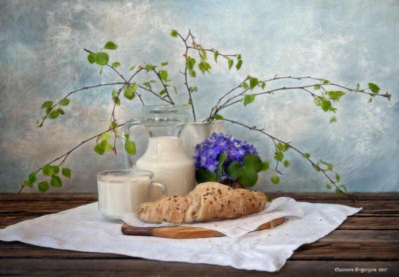 весна, верба, печёночница, булка, молоко, хлеб, натюрморт Веснаphoto preview
