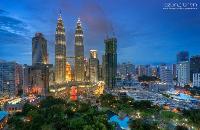 #cityscape #malaysia #kualalumpur #reflection #night Kuala Lumpur by nightphoto preview